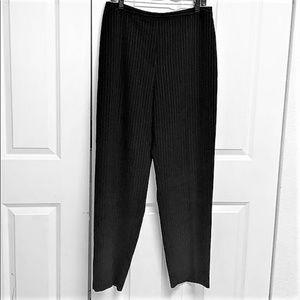 Jones Dress Pants Size 12 Black Pinstriped